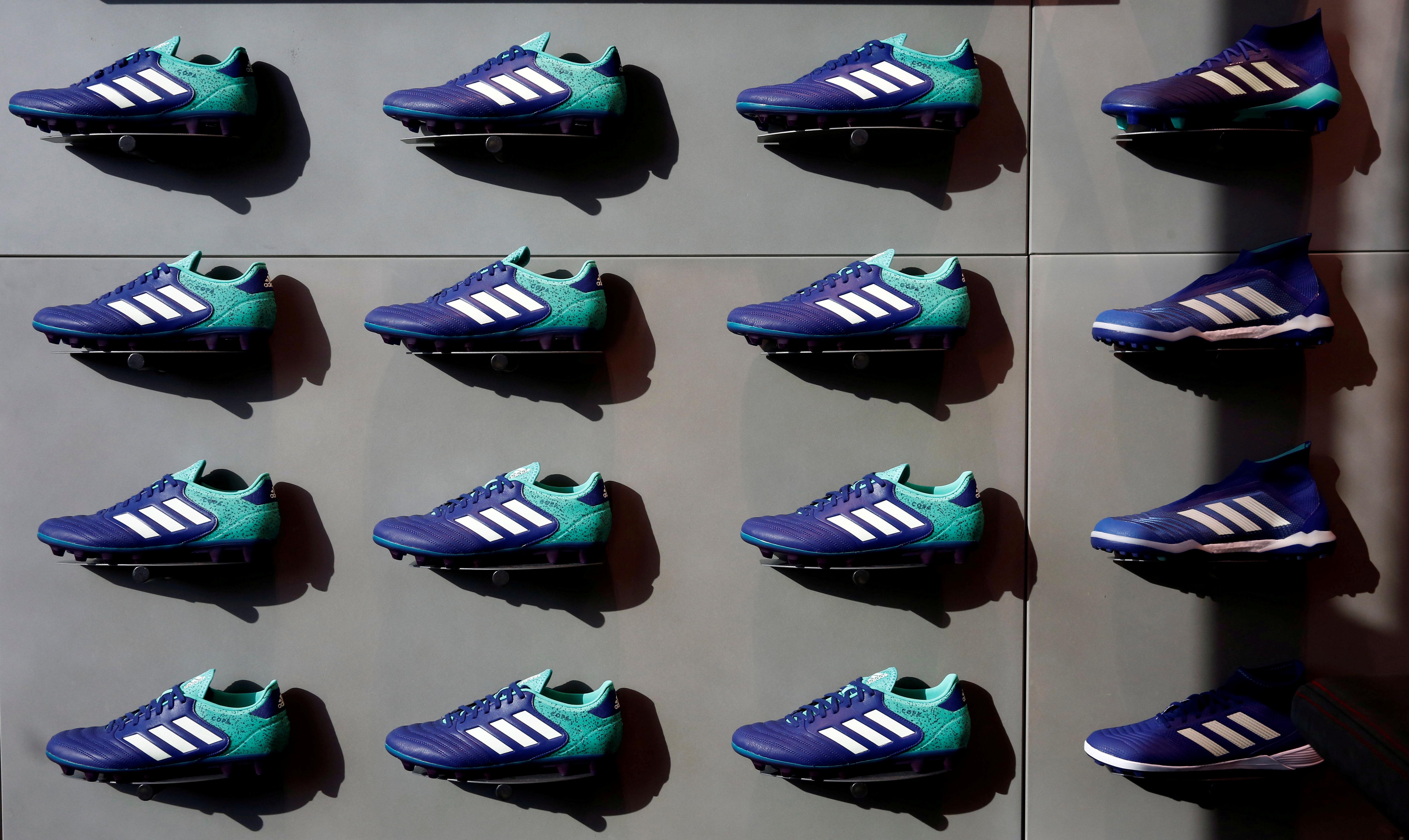Eliminar metal después de esto  Adidas pierde una batalla judicial por el uso de las tres rayas | Business  Insider España