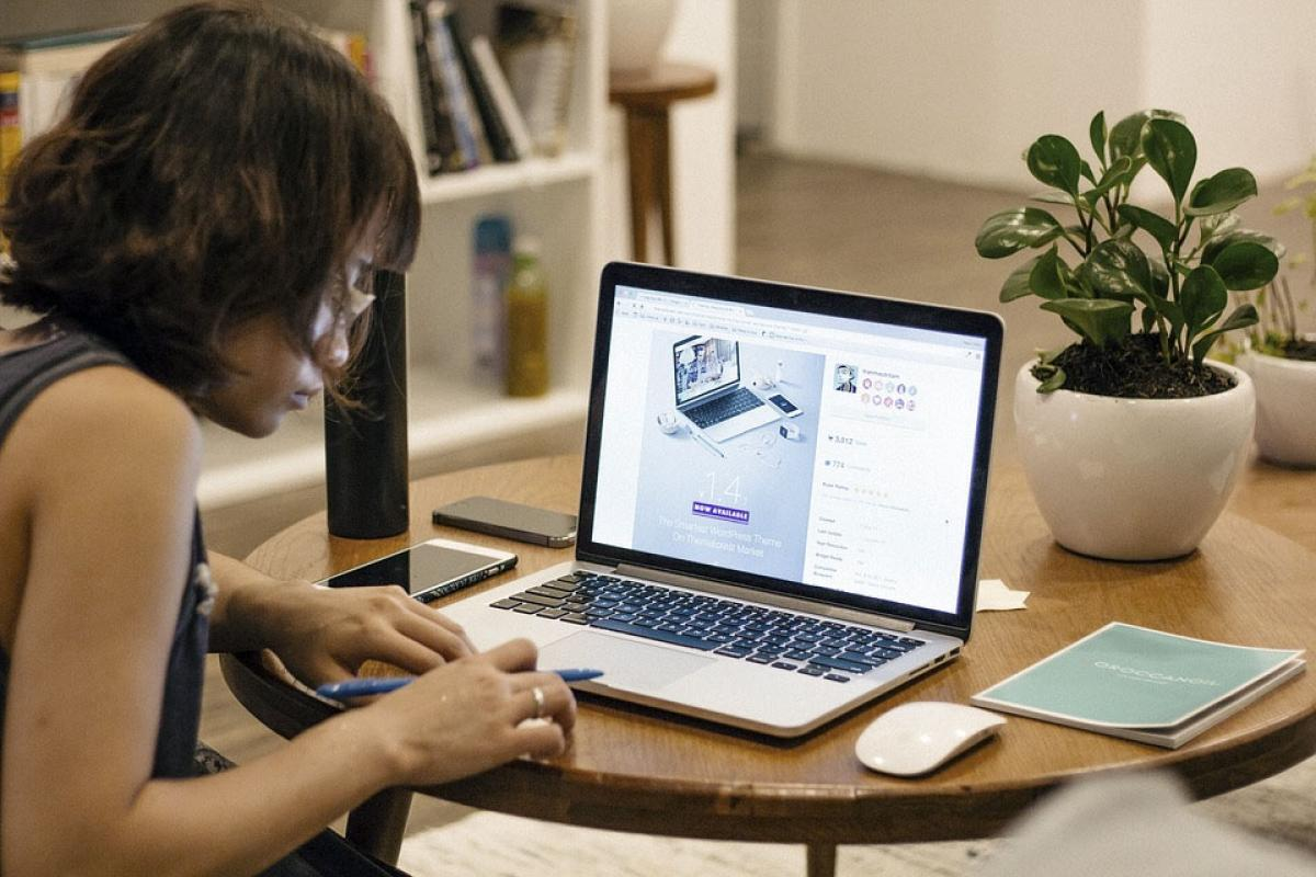 lavoro da casa no computer fare trading on line con fineco