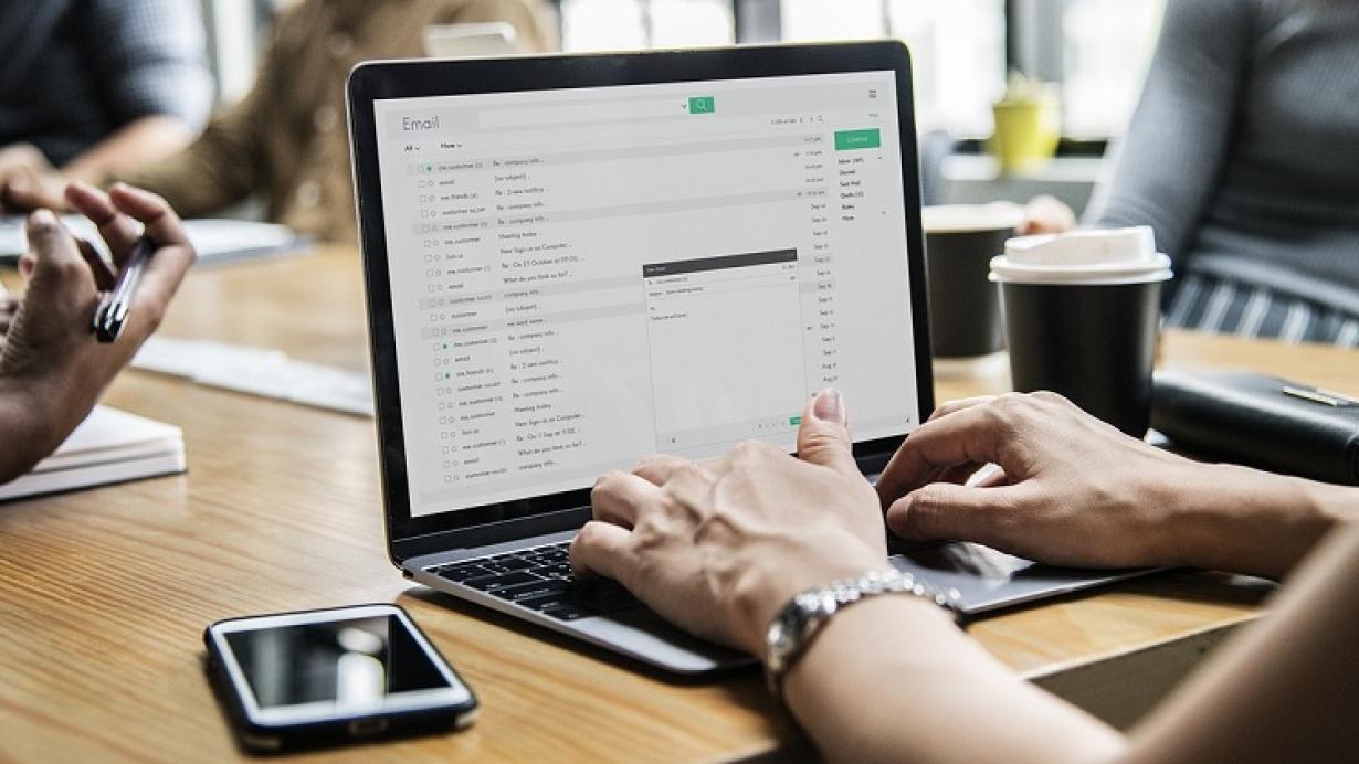Qué debes hacer para cumplir con la LOPDGDD en tus correos de empresa