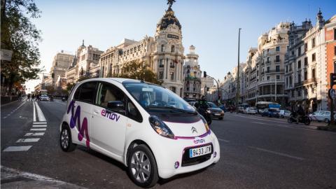 Car2Go y eMov también son 'enemigos' de los taxis