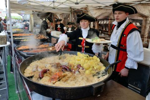 Celebración popular en Lituania