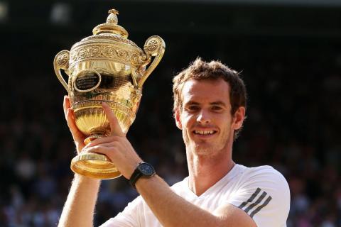 Andy Murray celebra la victoria en el torneo de tenis de Wimbledon.