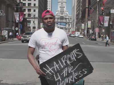 Brennon Jones, el hombre de Filadelfia que corta el pelo gratuitamente a sin techo