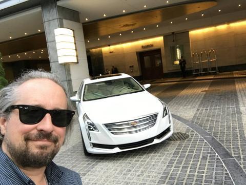 Cadillac Super Cruise con funciones de vehículo autónomo