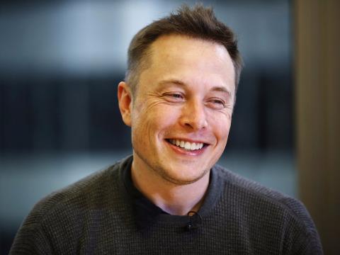 Elon Musk se divierte