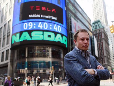 Elon Musk un poco enfadado