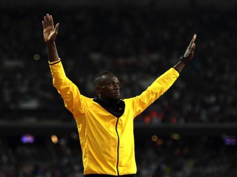 fotos deporte 2017: Usain Bolt les dio a los fans una gran despedida después de su última carrera en el Campeonato Mundial de Atletismo de la IAAF