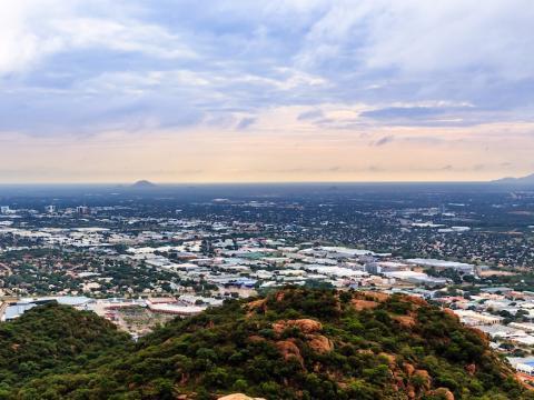 Vista aérea de Gaborone, capital de Botsuana, una de las ciudades que más rápido crece del mundo.