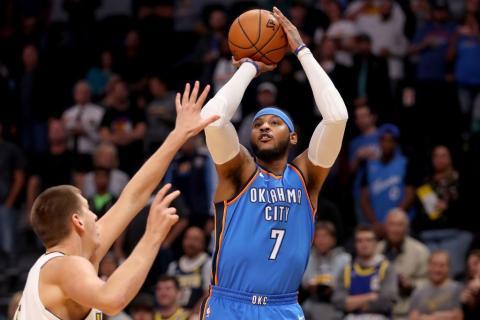 El jugador de baloncesto de la NBA Carmelo Anthony en un partido de Oklahoma City Thunder.