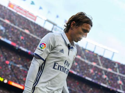 El jugador de fútbol Luka Modric, del Real Madrid, durante la disputa de El Clásico frente al FC Barcelona.