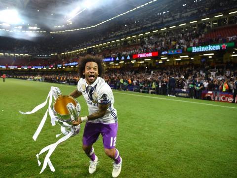 El jugador de fútbol del Real Madrid, Marcelo, celebra la victoria de su equipo en la Champions League 2017.