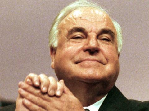 El canciller de Alemania Helmut Kohl el 28 de agosto de 1998.