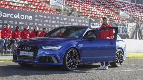 Messi en la entrega de coches al Barça