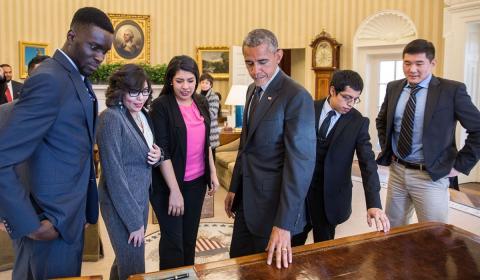 Obama recibió en el despacho oval a una representación de los 'dreamers' durante su mandato