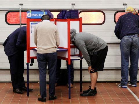 Votación durante unas elecciones