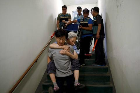 Evacuación de civiles en la zona desmilitarizada entre las dos Coreas