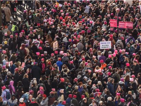 La gente se concentra en Central Park, Nueva York, antes de la marcha.