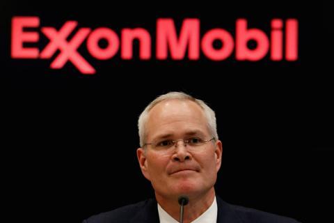 El CEO de Exxon Mobil, Darren Woods, durante una rueda de prensa en la Bolsa de Nueva York el 1 de marzo de 2017 en Nueva York (EE. UU.).