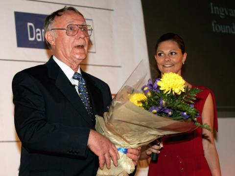 El fundador de Ikea, Ingvar Kamprad, recibe un reconocimiento a su trayectoria