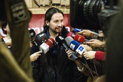 Pablo Iglesias visita una sede de Barcelona en Comú