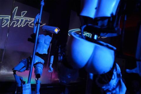 Robots stripers Las Vegas 02