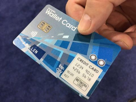 tarjeta de crédito inteligente que nunca caduca