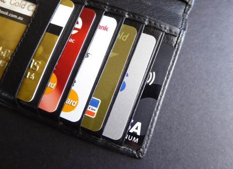 Diferencia entre tarjeta de crédito o débito