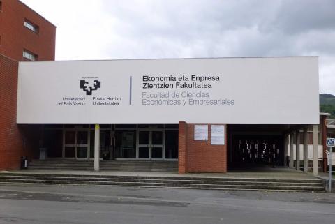 Facultad de Ciencias Económicas de la Universidad del País Vasco.