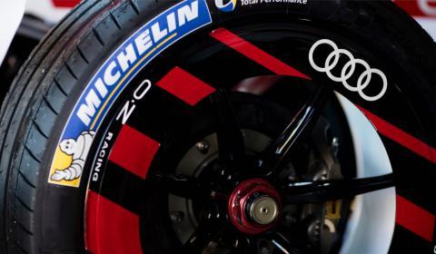 La rueda de Michelin es muy similar a la de los coches de calle.