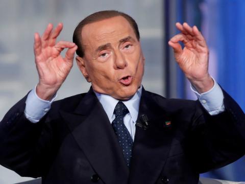 El ex primer ministro italiano, Silvio Berlusconi, fue condenado a prisión por fraude fiscal en 2013.