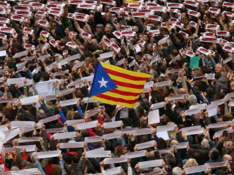 Protesta en Cataluña durante una huelga general convocada por la independencia.