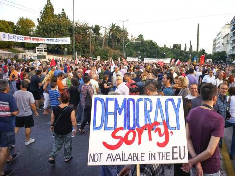 Protesta contra la Unión Europea en Atenas (Grecia) en junio de 2015.