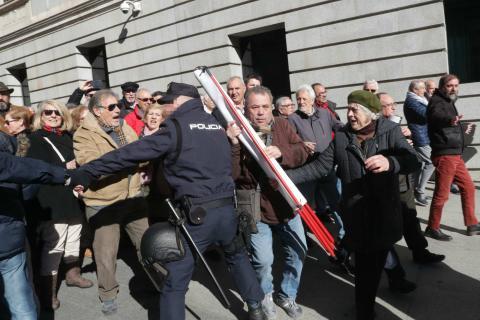 Manifestación en defensa de las pensiones públicas en Madrid el 22 de febrero de 2018.