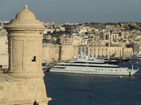 Una imagen del puerto tradicional de Malta