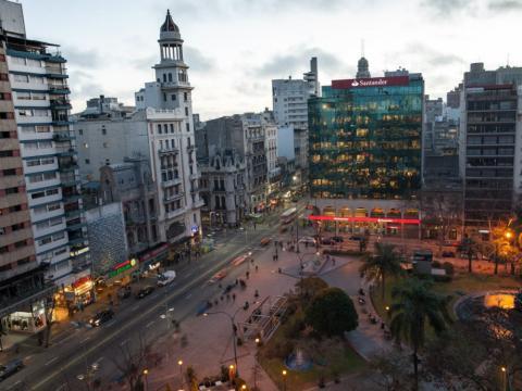 Montevideo (Uruguay) por la noche.
