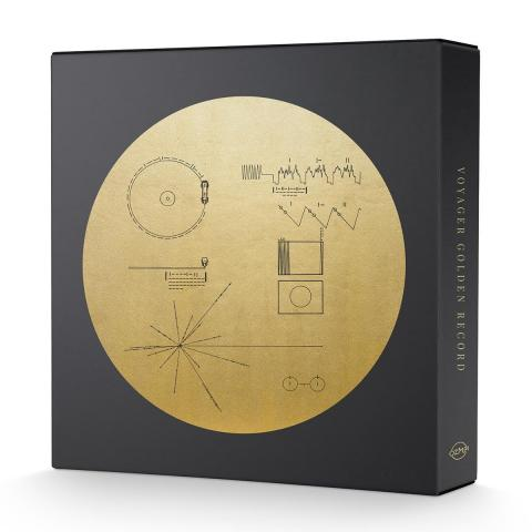 "Portada de la recopilación ""Voyage Golden Record 3xLP Box Set"" producida por Ozma Records."