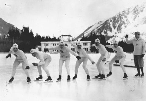 Celebración de los primeros Juegos Olímpicos de Invierno en Chamonix (Francia).
