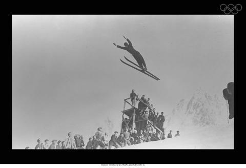 Tullin emplea la técnica Kongesberger en las Olimpiadas de Invierno de 1924.
