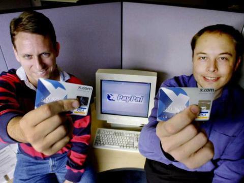 De izquierda a derecha, Peter Thiel y Elon Musk, fundadores de PayPal.