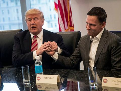 Peter Thiel con el presidente de Estados Unidos, Donald Trump.