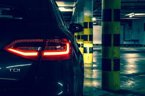 En plataformas como Parkfy se pueden alquilar plazas de aparcamiento a particulares por días.