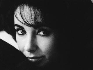 Retrato de la actriz Elizabeth Taylor.