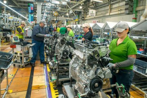 Empleados en la fabrica de Toyota