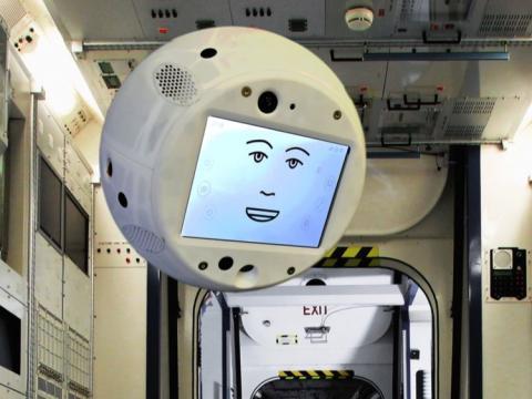 IBM, Airbus y DLR trabajan juntos para llevar a CIMON a la Estación Espacial Internacional