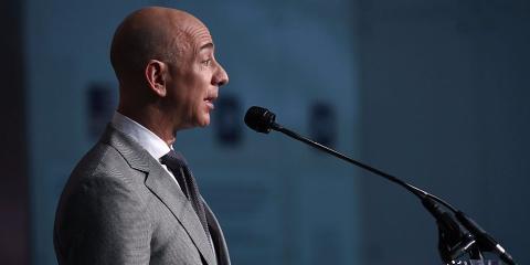 Jeff Bezos durante una conferencia.