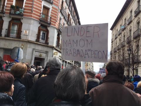 Protestas contra el Gobernador del Banco de España