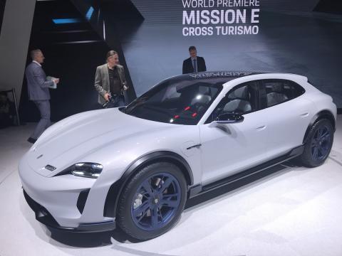 Salón de Ginebra 2018 Porsche Mission E Cross Turismo