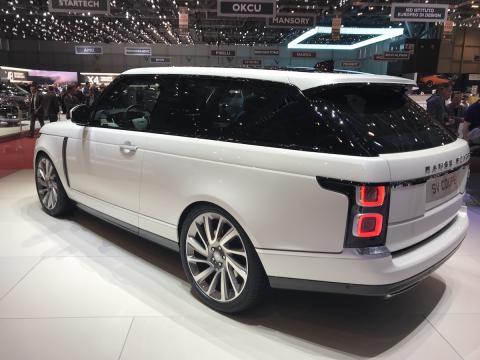 salon de ginebra 2018 Range Rover SV Coupe