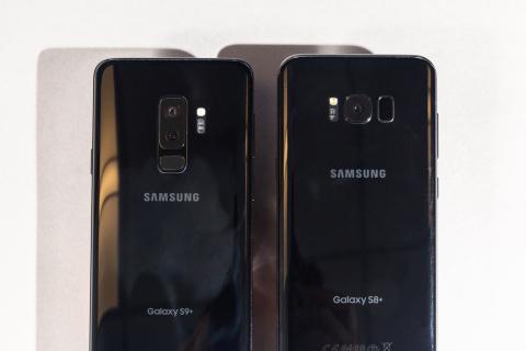 A la izquierda, el Galaxy S9+; a la derecha, el Galaxy S8.
