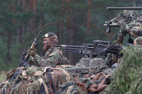 Soldados holandeses en el campo de entrenamiento militar en Rukla, Lituania el 11 de agosto de 2017.